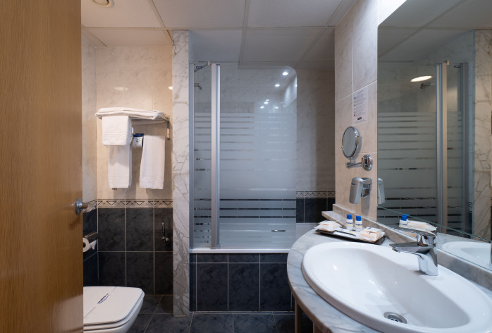 Double Room with Club Service Bathroom
